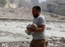 Coraz wi�cej dzieci ginie w Syrii. Bomby z napalmem wci�� spadaj�