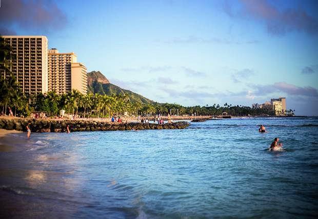 Waikiki w wulkanicznej krasie.