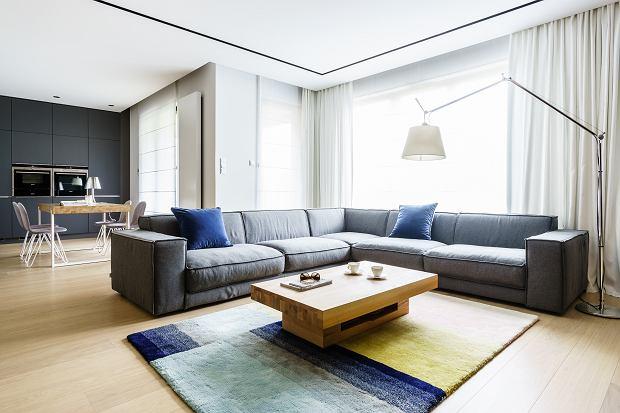 Nowoczesne mieszkanie w Gdyni z meblami w zabudowie