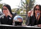 40 lat Kiss. Zesp� biznesmen�w przebranych za demony