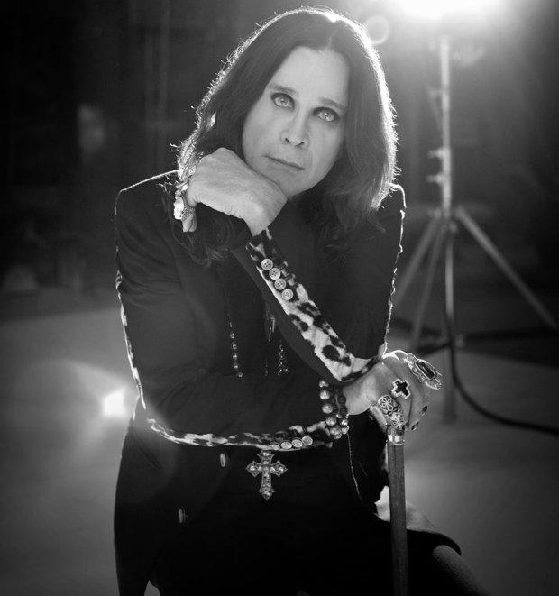 Podobno wczesne utwory Nirvany są inspirowane innym, równie znanym zespołem - Black Sabbath! Kto tak twierdzi? Wokalista Foo Fighters - Dave Grohl