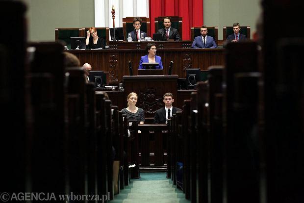 01.06.2015 Warszawa, Sejm. Premier Ewa Kopacz podczas XXI Sesji Sejmu Dzieci i Młodzieży