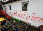 Niemcy: W pobli�u Norymbergi podpalono schroniska dla uchod�c�w. Na �cianach swastyki