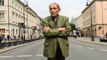 Tadeusz Konwicki na Nowym Świecie w Warszawie