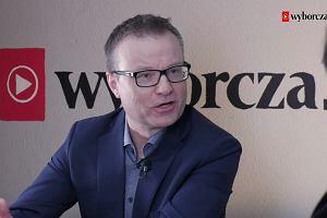 """Towarzysz Piotrowicz, twarz demolki demokracji, znów krzyczy """"precz z komuną"""" - w 3x3 posłanka PO o debacie ws. KRS"""