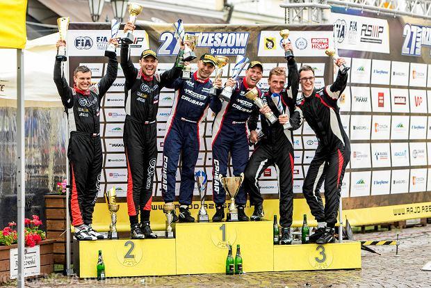 Zdjęcie numer 7 w galerii - 27. Rajd Rzeszowski. Nikolay Gryazin świętował zwycięstwo na rzeszowskim Rynku [GALERIA]