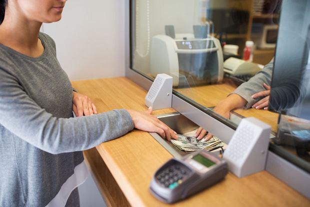 Spłata raty kredytu w kasie banku