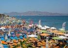 Grecy modlą się o turystów