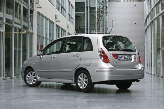 Suzuki Liana (2001-2007) - opinie Moto.pl