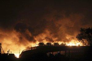 """""""Jak wybuch bomby atomowej"""". Co wiemy o eksplozjach w Tiencin?"""