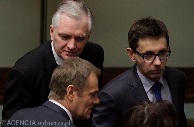 Od lewej: Mikołaj Budzanowski, Donald Tusk i Jarosław Gowin w Sejmie