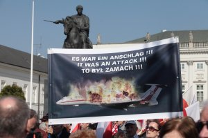 Duda: Pomnik smole�ski powinien stan�� na Krakowskim Przedmie�ciu
