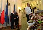 Zobacz, jak wygl�da feta u Bronis�awa Komorowskiego. Czym uraczy� swoich go�ci prezydent RP?