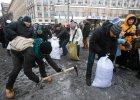 """Majdan sprz�ta, umacnia barykady i czeka. I cytuje: """"Nienawidz� ci�, berkucie"""""""