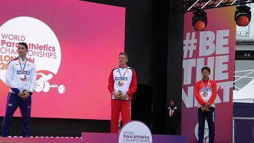 Maciej Lepiato na podium w Londynie