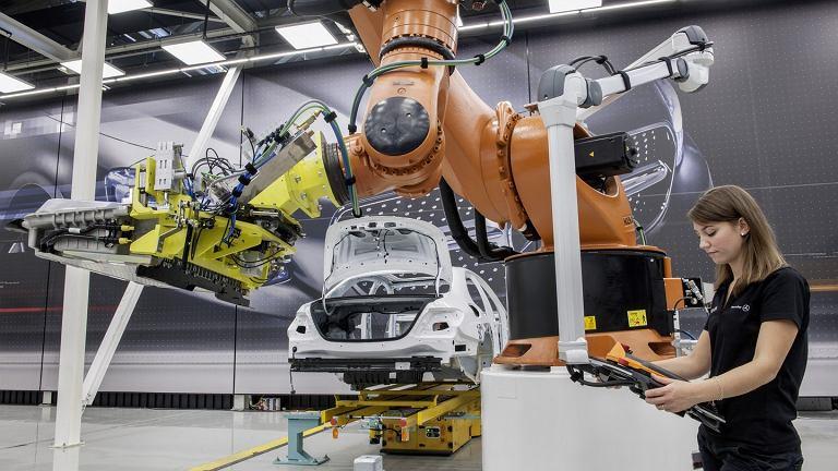 Nowy Mercedes klasy E w fabryce