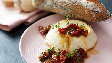 Pieczona ricotta z suszonymi pomidorami