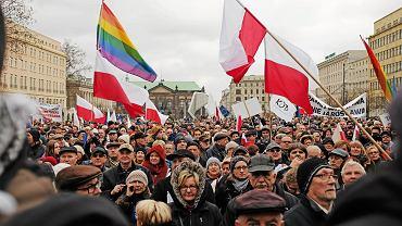 12 grudnia, manifestacja sympatyków prawdziwego Komitetu Obrony Demokracji we Wrocławiu
