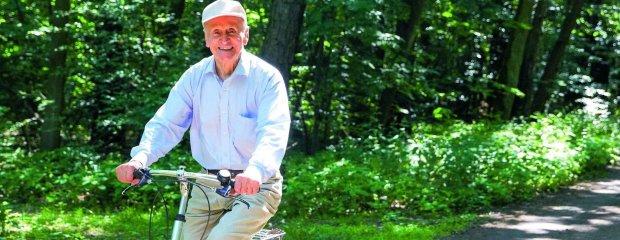 """92-letni Antoni Huczyński, """"dziarski dziadek"""", który ćwiczy trzy godziny dziennie: Rzuciłem sobie wyzwanie, żeby spowolnić czas"""