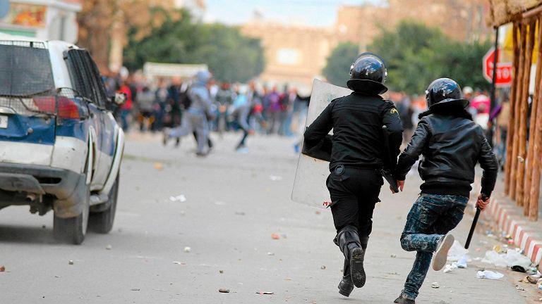 Policja interweniuje wobec demonstrantów