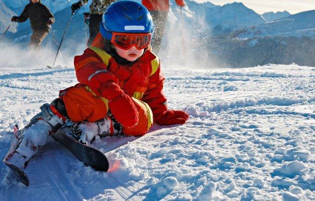 Rodzic, instruktor czy przedszkole narciarskie - jak nauczyć dziecko jeździć na nartach?