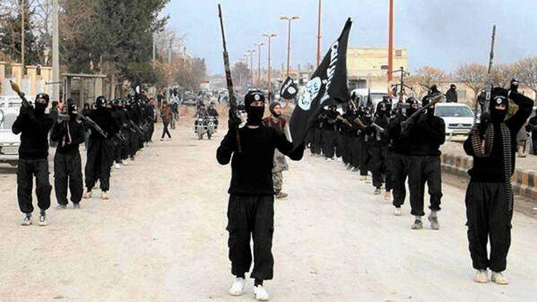 Terroryści z ISIL. W szeregach bojówkarzy Państwa Islamskiego walczył kolejny Polak, zatrzymany przez ABW