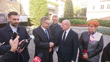 Tadeusz Zysk i Bartłomiej Wróblewski na wspólnej konferencji prasowej