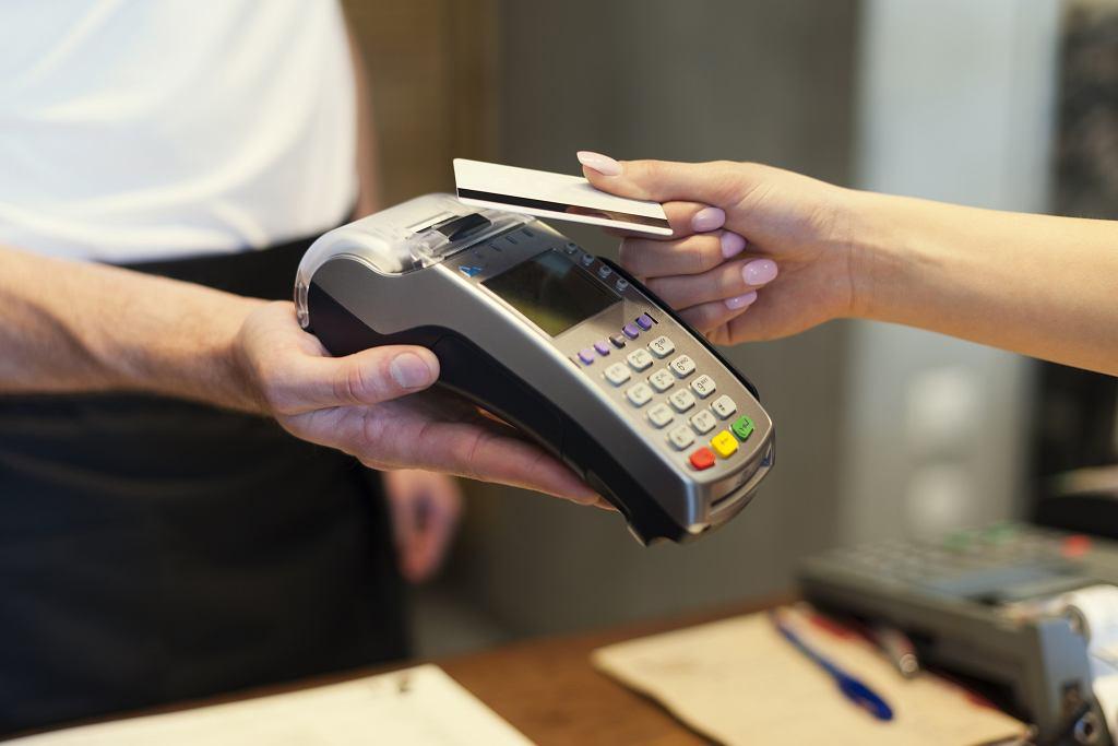 Płatność zbliżeniowa kartą