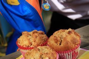 Muffinki z jab�kami