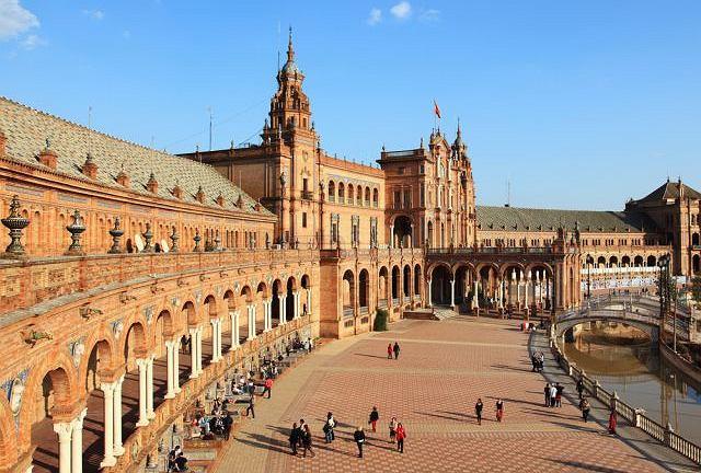 Sewilla, Hiszpania pogoda / Shutterstock