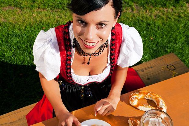 Dziewczyna z litrowym kuflem, czyli jak to naprawd� jest na Oktoberfest? Pocz�tek wielkiego �wi�ta piwa ju� 20 wrze�nia!