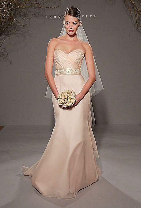 c7606c88a4 Trendy sukien ślubnych na rok 2012