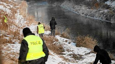 Policjanci z Archiwum X zajmują się niewyjaśnionymi sprawami sprzed lat.