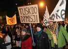 """""""Tusk jak Rocky - otrzymuje ciosy i wstaje"""" - ekspert o spotkaniu premiera z internautami"""