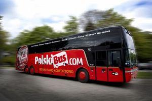 """Kierowca Polskiego Busa odjecha� bez pasa�erki, zabieraj�c dziecko. """"Powinien dosta� pochwa�� i premi�"""""""