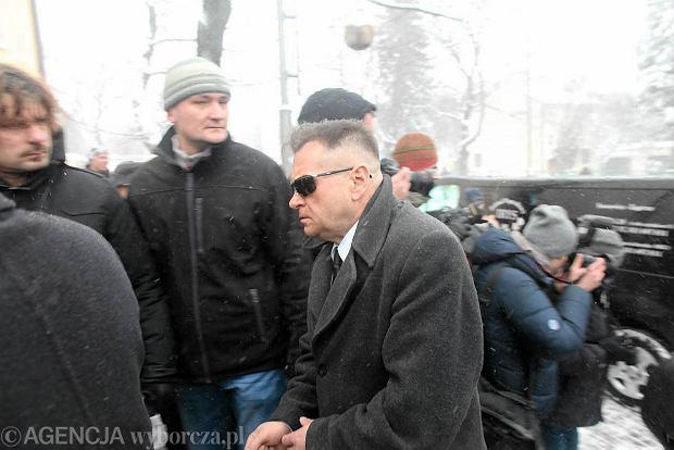 Krzysztof Rutkowski na pogrzebie p�rocznej Madzi z Sosnowca