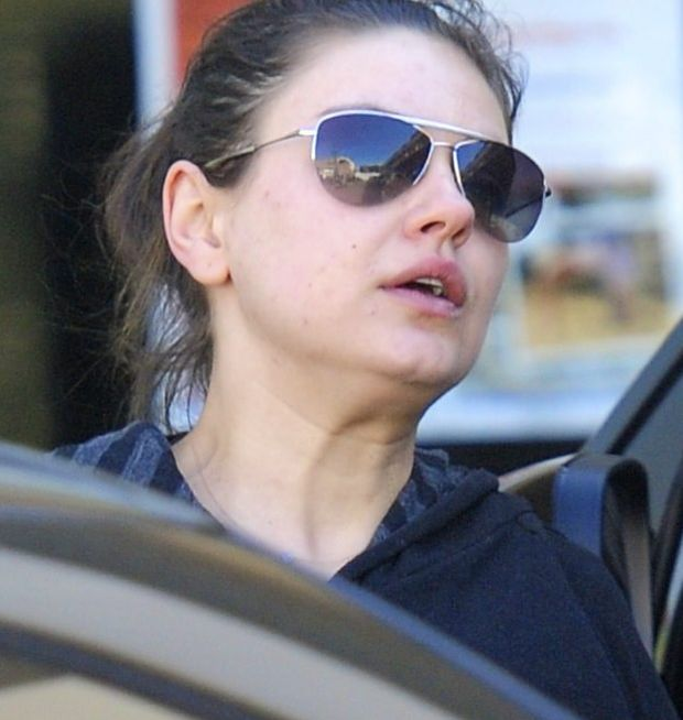 ??NATIONAL PHOTO GROUP   Mila Kunis is spotted leaving the gym in Los Angeles.   Job: 020812C7  EXCLUSIVE February 8th, 2011 Los Angeles, CA  NPG.com