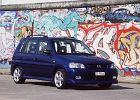 MAZDA Demio 00-03, rok produkcji 2002, kombi, widok przedni prawy, samoch�d 5-drzwiowy, kolor niebieski jasny