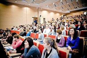 Rekrutacja na studia: studia i praca. Gdzie pracuj� studenci i ile zarabiaj�?