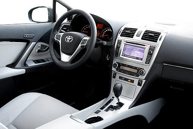 Toyota Avensis ze skrzynią Multidrive