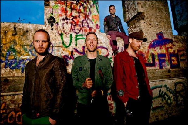 """Formacja Coldplay zaprezentowała teledysk do singla """"True Love""""."""