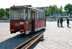 http://bi.gazeta.pl/im/2/11293/z11293162M,Stary-tramwaj-przywieziony-do-Olsztyna-z-Elblaga-w.jpg