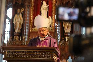 Biskup Henryk Tomasik polecił katechetom, by nie mówili o aborcji