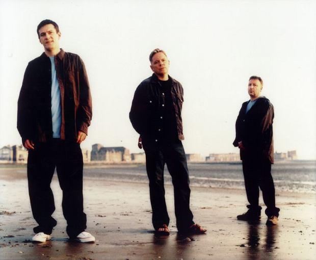 Muzycy New Order zdradzili, iż przymierzają się do współpracy z Jamesem Murphym z LCD Soundsystem.