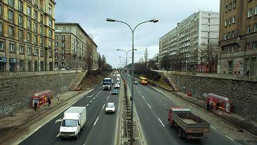 Trasa Łazienkowska w 2000 roku między pl. na Rozdrożu a Marszałkowską