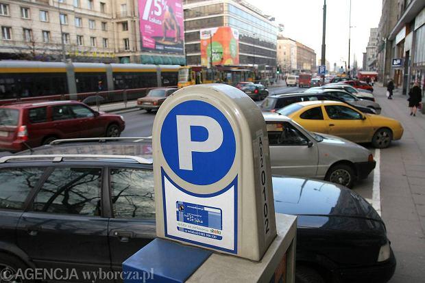 """""""Jazda autem do centrum przestaje si� op�aca�"""". Miasta wyganiaj� kierowc�w"""