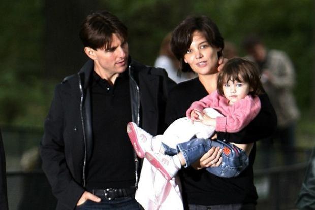 Tom Cruise i Katie Holmes z c�rk� Suri
