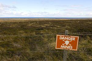 Argentyna zn�w straszy Wielk� Brytani� w sprawie Falkland�w