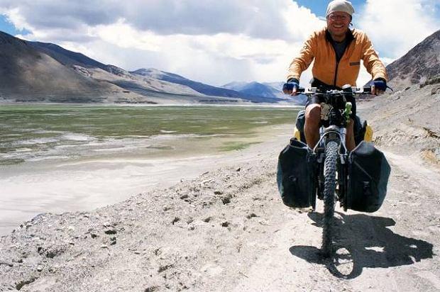 Piotr Strze�ysz, nauczyciel angielskiego, zdobywca wyr�nienia Kolosy 2007 za przejazd rowerem przez Himalaje w trudnych, zimowych warunkach