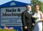 Para młoda wzięła ślub w domu pogrzebowym